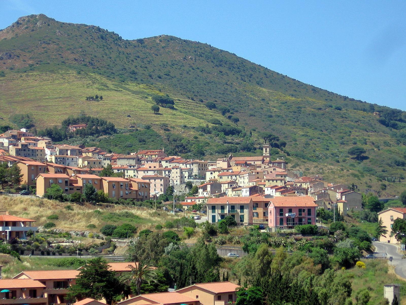Rio nell'Elba und der zu erklimmende Monte Strega