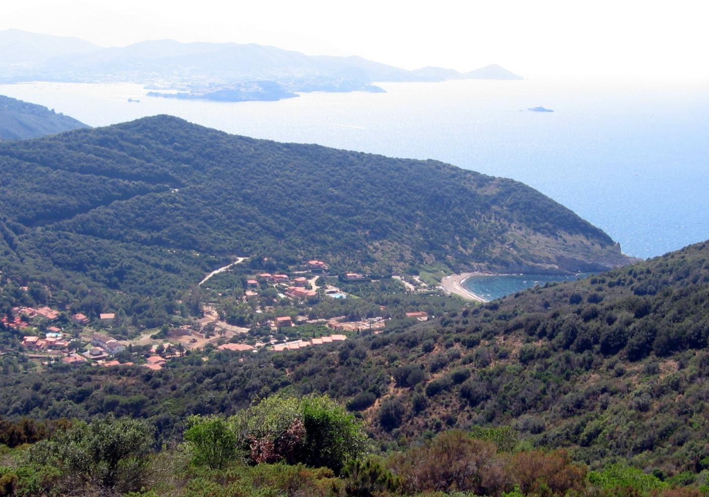 Nisporto, im Hintergrund Portoferraio