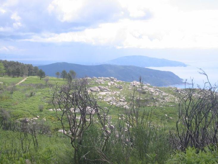 Oberhalb San Piero, hinten Monte Calamita