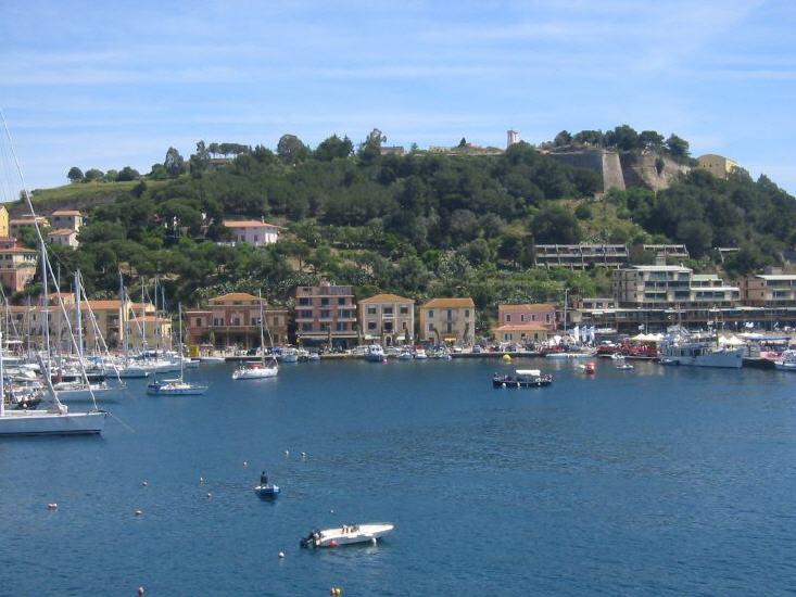 porto_azzurro_-_hafen_1_lbb.jpg