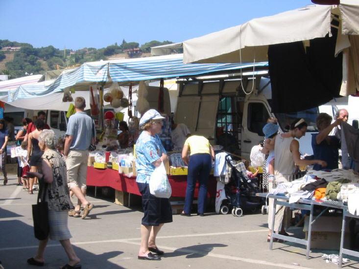 porto_azzurro_-_markt_4_lbb.jpg