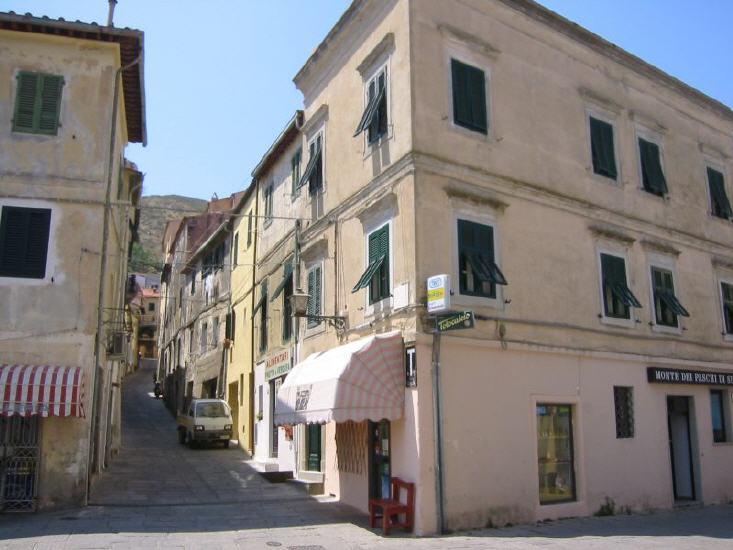 rio_nell_elba_-_centro_storico_lbb.jpg