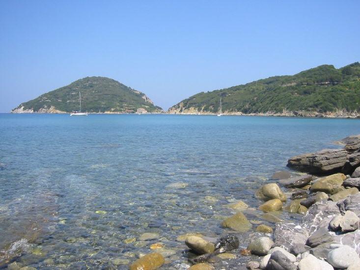 Blick zum Capo d'Enfola von Viticchio